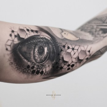 eye design tattoo